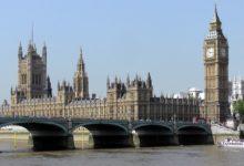 Photo of V britském parlamentu se nesmí pít alkohol. Až na jednu výjimku