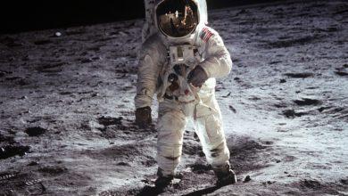 Photo of Od vzniku motorového letadla do přistání na Měsíci uplynulo pouhých 66 let