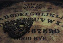 Photo of Tabulka Ouija dostala jméno tak, že se tvůrci desky zeptali, jak se má jmenovat