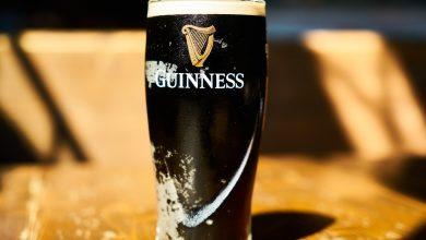 Photo of Guinnessovu knihu rekordů založil ředitel pivovarů, aby existoval způsob, jak rozhodnout hospodské hádky